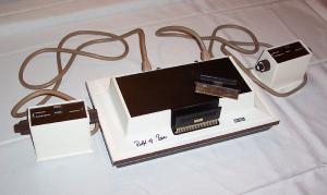 Odyssey, o primeiro console, autografado por Ralph Baer.